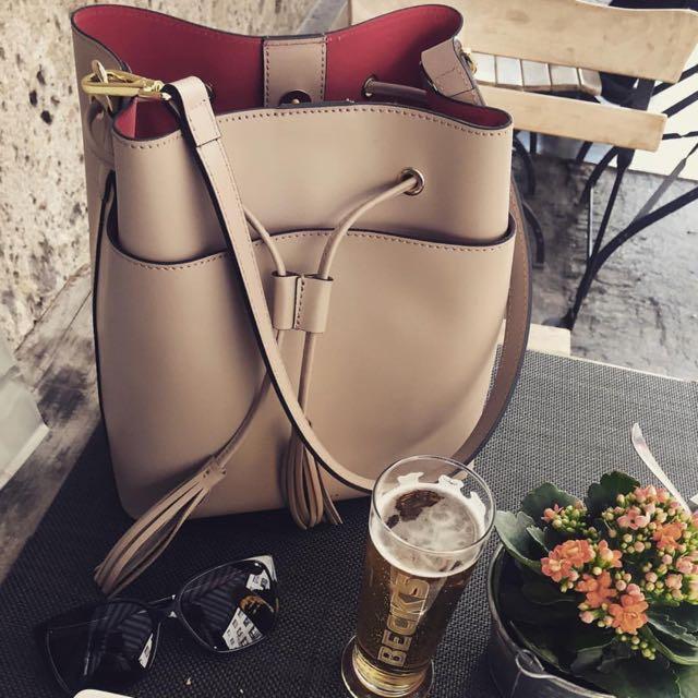 38d58e0fed28e Camelia Roma Bucket Bags