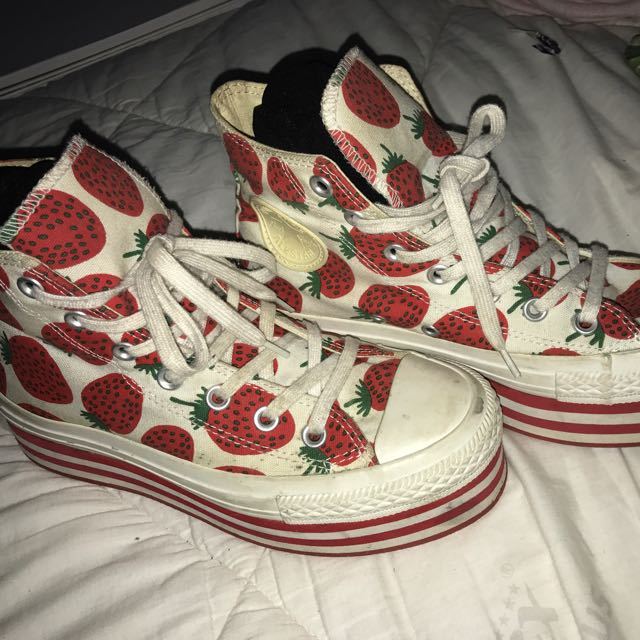 CONVERSE Platforms Strawberry Edition Size 8