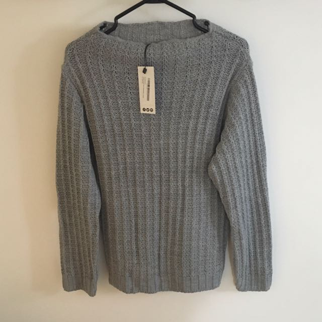 Cute Grey Open-Neck Boohoo.com Knit Sweater