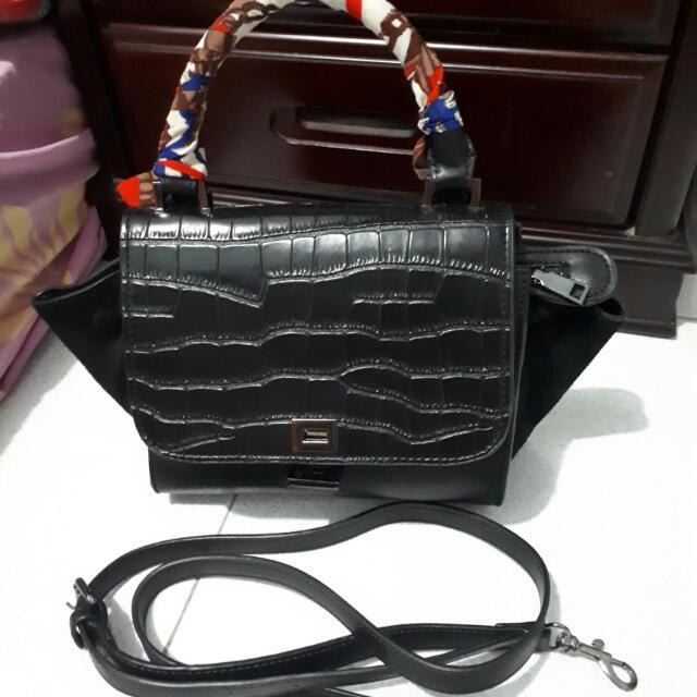 Elegant Hand Bag With Sling