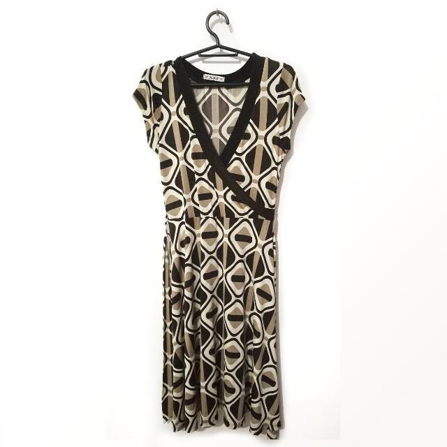 Freesize Vintage Look V-Neck Dress