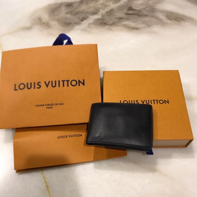 Louis Vuitton 黑色皮夾