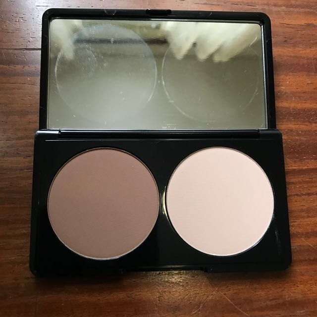 MAKE UP FOR EVER BNEW Contour and Highlight Kit