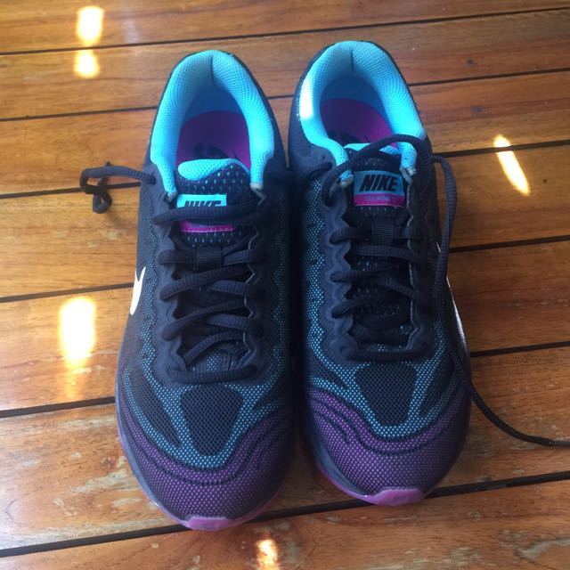 Nike Air Max Tail Wind 7 size 39