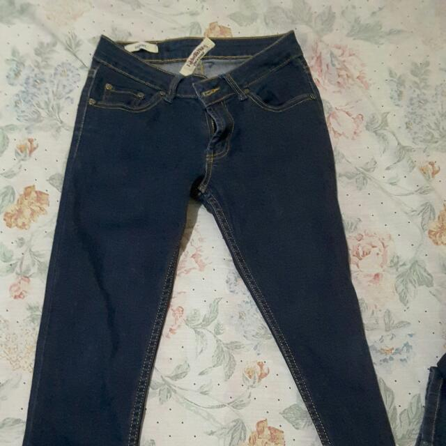 Pants (folded And Hung) Skinny Type