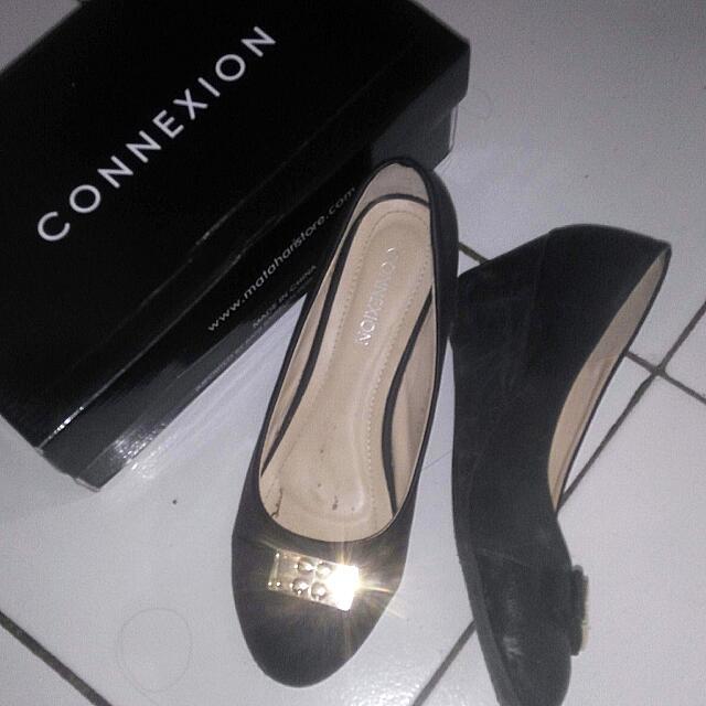 Sepatu Conextion Hitam