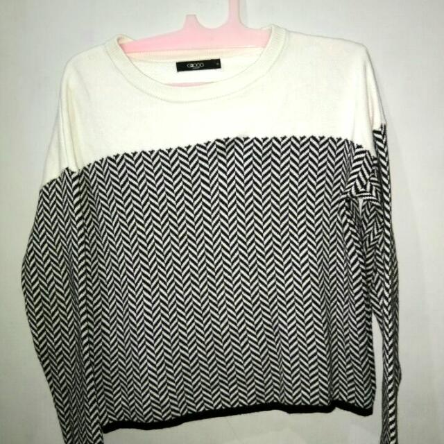 Sweater By G2000