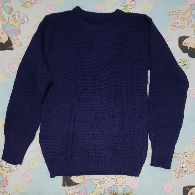 Sweater Rajut Biru Navy