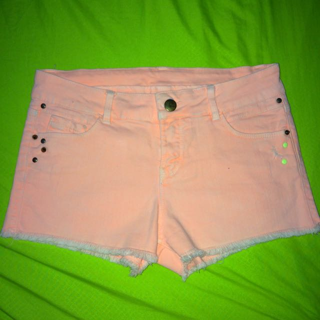 (thrifted) Women's Peach Shorts 🍑