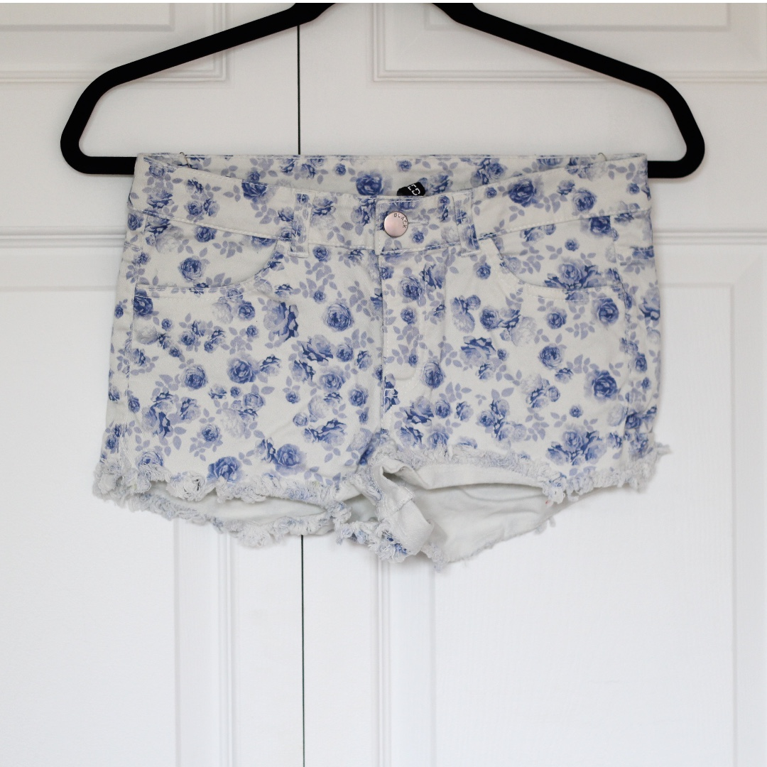White with blue flowers high waisted short shorts