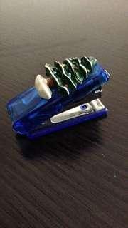 小型釘書機