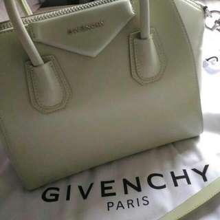 GIVENCHY Antigona Light Green