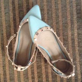 Hue Closed Shoes