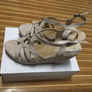 Preloved Stefeno wedge shoes