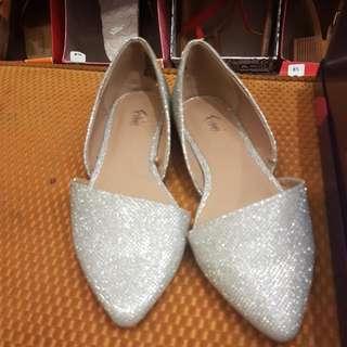 Sepatu Flat FIONNI