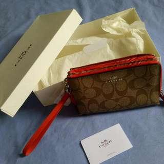 COACH 層雙拉鍊皮夾 F64131「橘色邊經典款燙金LOGO」手機包 小包 手拿包 中夾 零錢包