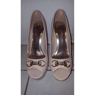 New Bebe open toes heels