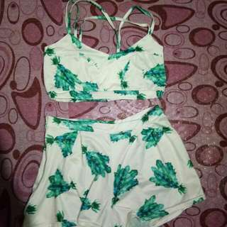 Green Floral Terno