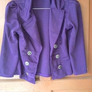 blazer ungu