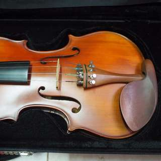 Bachendorff Matte Violin with bow and square case free 3 hours lessons