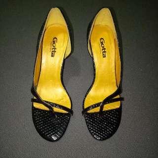 Gotta Fashion Size7 Heels