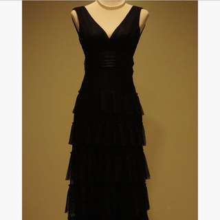 BCBGMAXAZRIA Classy Black Tiered Lace Long Dress / Gown