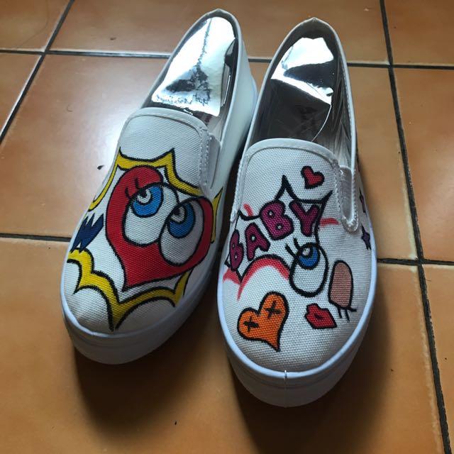 自由創作帆布鞋