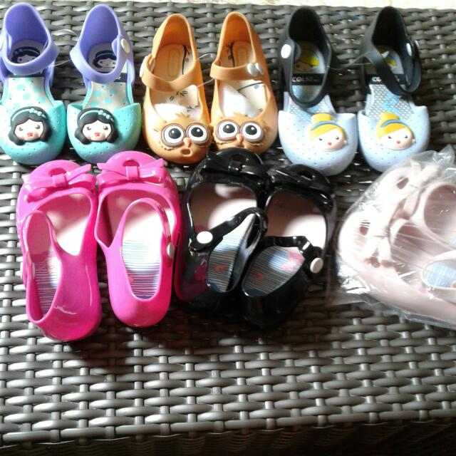 assorted jelly shoes for kids