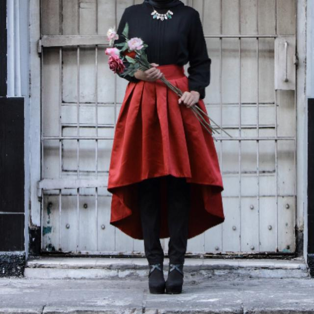 Asymetric Flare Skirt (Red)