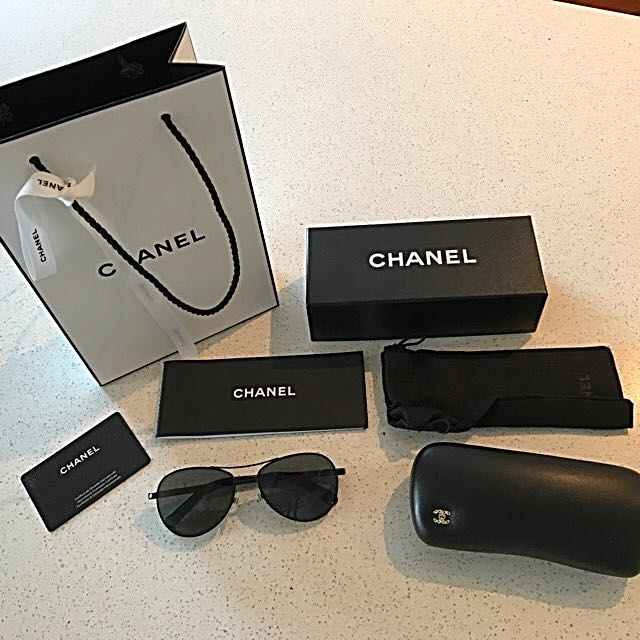 AUTHENTIC CHANEL small Aviator Sunglasses