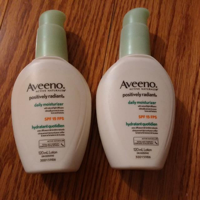 ***REDUCED***Aveeno Positively Radiant Daily Moisturizer
