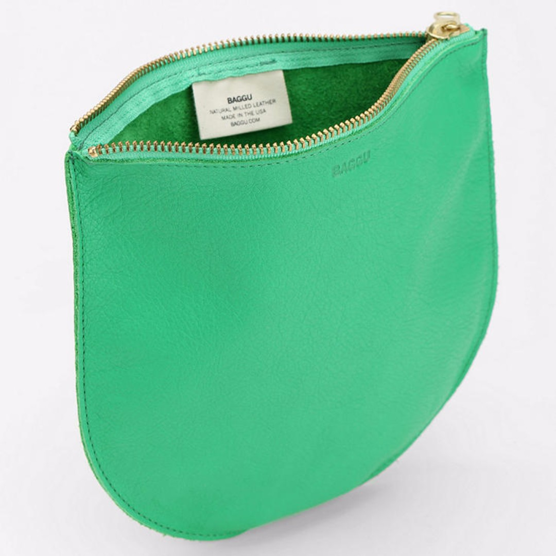 BAGGU Medium Leather Zip-Pouch in Green