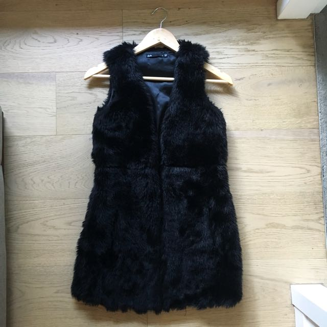 Black Faux Fur Vest - Size 6