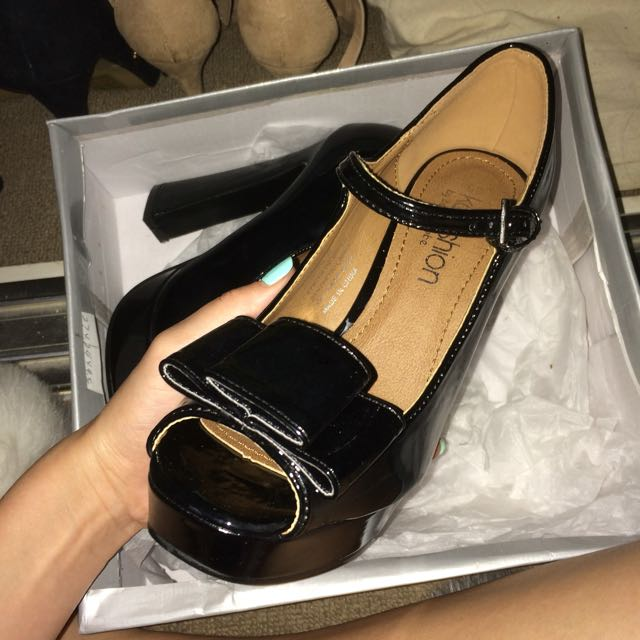 Brand New Black Heels With Bow