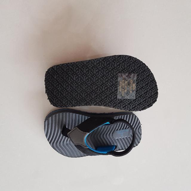 84323ef62 BN BlueFin Baby Toddler Sandals Flip Flop