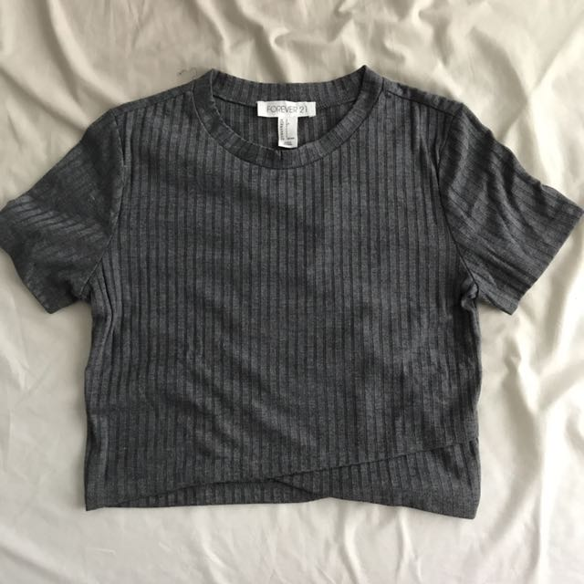 cropped grey tshirt