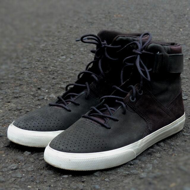 DC GRADUATE (Not Vans Converse Bape Supreme Nike Adidas Yeezy Gildan Leather Birkenstock Ct Chuck Taylor Bape Off White Jeans)