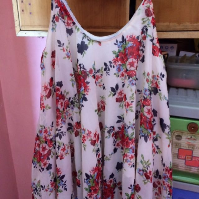 Flowy Floral Top Free Size
