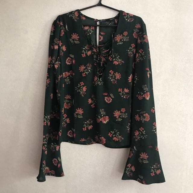 Forever 21 Floral Bell Sleeves Top