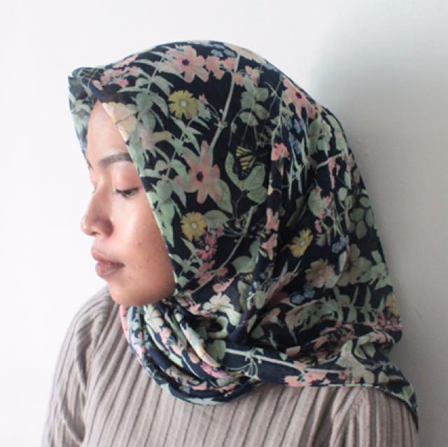 kerudung hijab floral