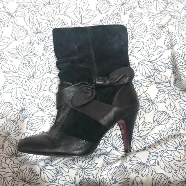 Lipstick Size 7.5 Leather Boots