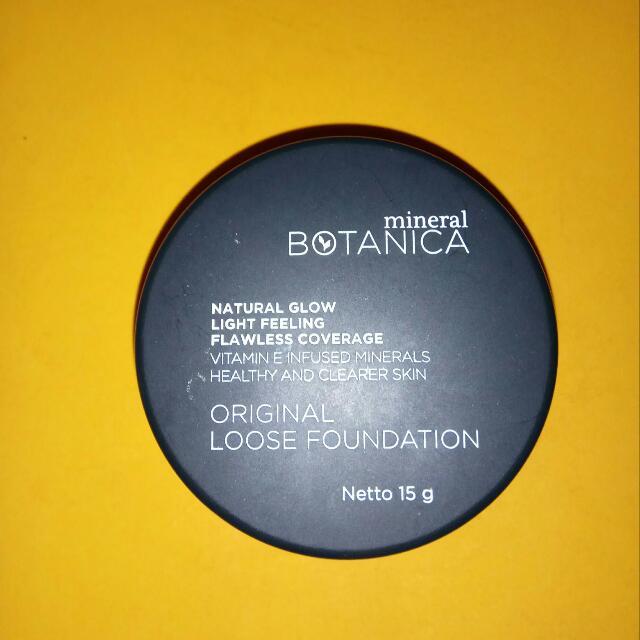 Mineral Botanica Loose Foundation