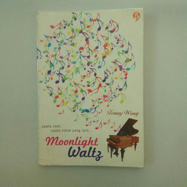 Novel MOONLIGHT WALTZ