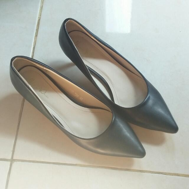 Nine West Pantofel Hitam