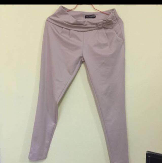Pants warna khaki