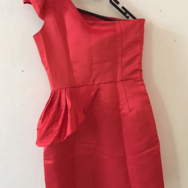 Red One Shoulder Dress/ Gaun Merah