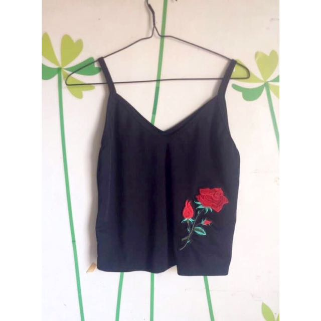 Sleeveless With Rose Embroidery
