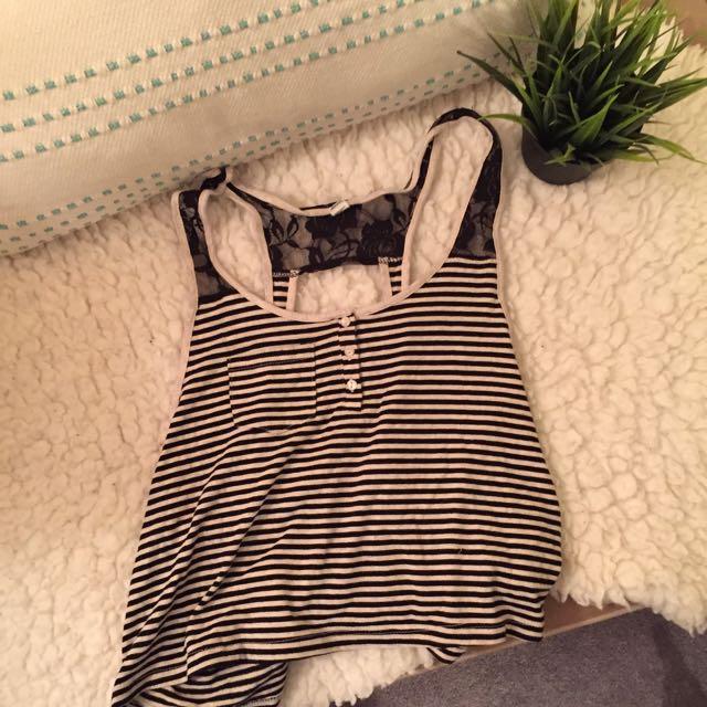 striped crop top🕷