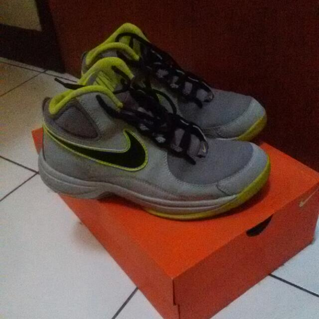 REPRICE THE OVERPLAY VII NIKE BASKETBALL ORIGINAL sepatu basket. sepatu  olahraga. nike original. 8c61d7bac4