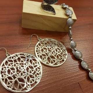 Silver Set ~ Earrings, Bracelet & Free Ring!!